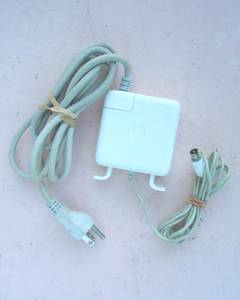 Used, Apple G3/G4 iBook Powerbook 45W A1036 Power Adapter (West Saint Paul) for sale