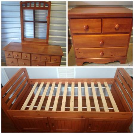 Real wood twin bedroom set - furniture - by owner - sale