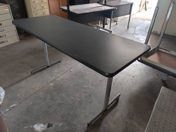 Cafeteria tables - furniture - by owner - sale