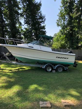 2003 bayliner trophy 21 ft beautiful condition 125 mercury $13,800 -...