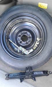 Kia Sedona Spare tire wheel jack assembly (valley center), used for sale