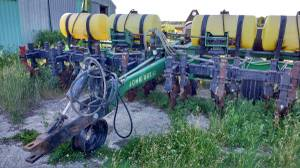 John Deere 7240 planter zone till (Pinconning) for sale