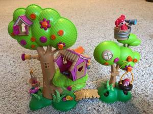 Lalaloopsy playhouse (Altoona) for sale
