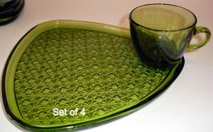8 pc Indiana Glass Olive Green Triangle GLASS DAISY & BUTTON Snack SET (North Branch) for sale