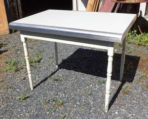 Kitchen Prep Table, Vintage Country Table (Pottstown PA) for sale