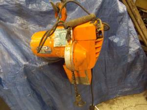 Chain hoist electric 2000 lb. 1 ton 230 volt 3ph 12 feet lift YALE (Bloomington) for sale