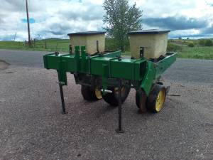 John Deere 7000 2 row 3 point planter (Augusta), used for sale