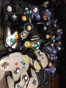 Video Game Controllers & Cords / Cables (GameCube, PlayStation, etc) (Gates), used for sale