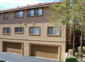 - Available NOW!! - 55+ Tri-Level Townhome - Two Car Attached Garage (Laughlin) $1250