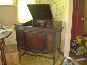 antique Sonora hand crank Phonograph 78 record player wood cabinet (Sullivan Mo) for sale