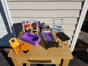 8 pieces Monster High Doll Furniture (Ross Twp., PA), used for sale