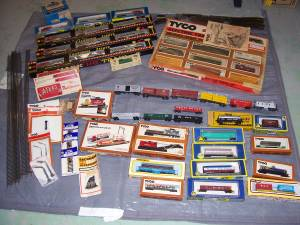 HO Trains, Marx, AHM, Tyco, Bachman 1960 1970 - track switch buildings (crete, IL) for sale