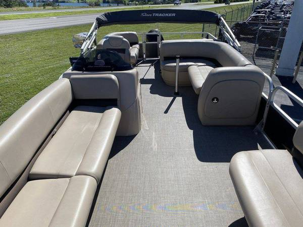 Sun tracker pontoon 17 sun tracker party barge - boats - by owner -...