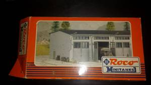 H.O. scale train scenery buildings - New/Unbuilt kits (Batavia/Owensville), used for sale