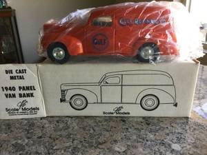 ERTL Gulf Refining Co. 1940 Panel Van Coin Bank Die-Cast GD-6010 All O (Troy 698-3242) for sale