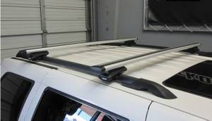 """Thule 450R with 47"""" or 53"""" or 60 Aeroblade bars in excellent condition (O.C.), used for sale"""