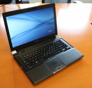 Toshiba Portege R830 Ultrabook Laptop Core i7 LIGHT FAST 13.3 inch (Richmond) for sale