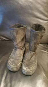 Ugg Australia 5275 Ultimate Short Black Suede Winter Boots Women's 6 for sale