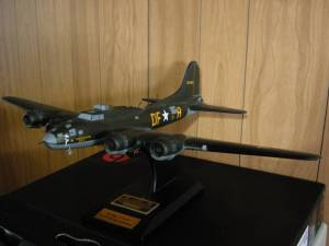 Signed Authenticated Memphis Belle B-17 Flying Fortress (Parma) for sale  Detroit